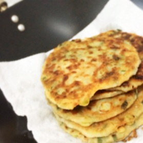 Scallion pancakes fully grown into delicious pancakes